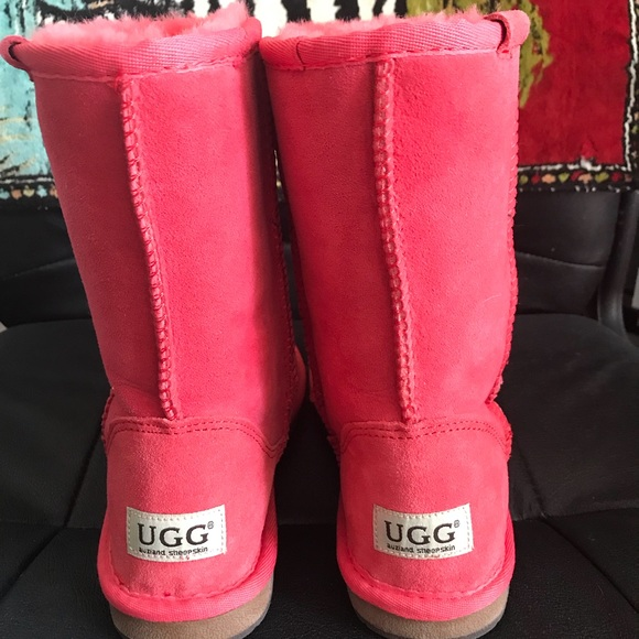 7214a8fb26b Hot Pink Ugg boots....never worn.